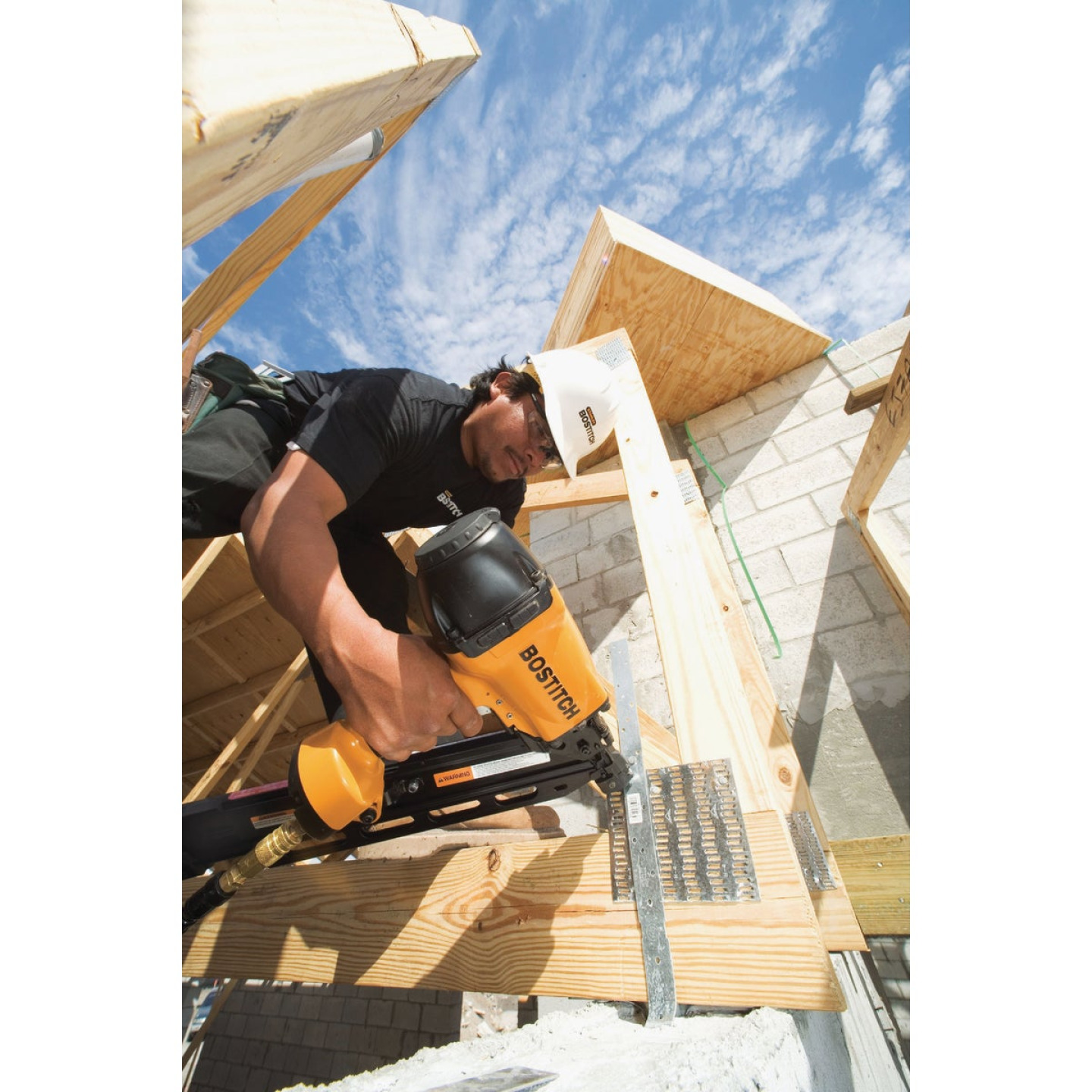Bostitch 33 Degree 3-1/2 In. Paper Tape Framing Nailer Image 2